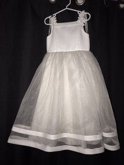 David's Bridal Flower girl Dress for Sale in Lake Stevens,  WA