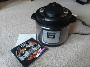 Instant Pot Lux Mini Pressure Cooker for Sale in Puyallup, WA
