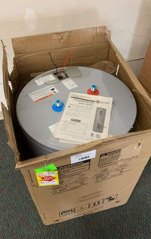 NEW AO SMITH WATER HEATER WITH WARRANTY 38 gallons FT for Sale in Fullerton, CA