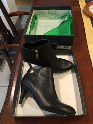 Tommy Hilfiger Boot for Sale in Chicago, IL