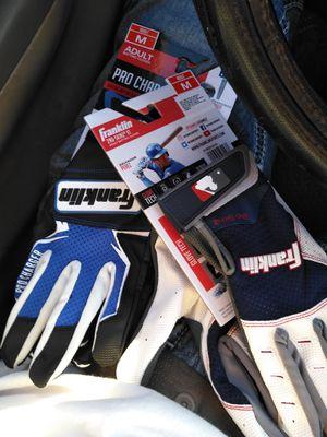Adult medium baseball gloves for Sale in Modesto, CA