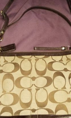 Coach -12824 Signature Stripe Patent Large Shoulder Bag for Sale in Baton Rouge,  LA