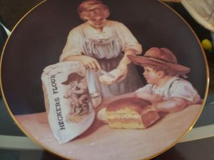 Decorative plate for Sale in Silver Spring, MD