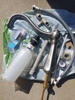 Moen kitchen faucet for Sale in Montebello, CA