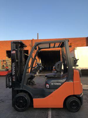 Toyota Forklift 8FGCU20 for Sale in Gardena, CA