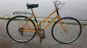 Vintage Raleigh Record 10 speed touring style road bike for Sale in Columbia, MD