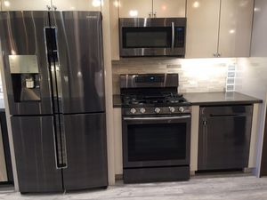 BRAND NEW SAMSUNG APPLIANCE BUNDLE REFRIGERATOR STOVE DISHWASHER MICROWAVE for Sale in Orlando, FL