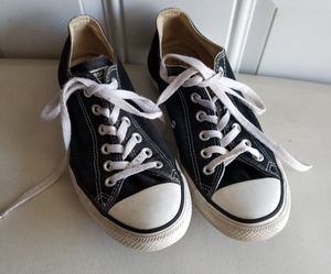 Converse shoes mens size 8 ladies size 10 for Sale in Murfreesboro,  TN