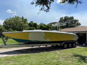 """donzi 33"""" 1989 offshore for Sale in Tampa, FL"""