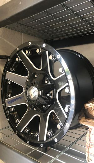 5 Wheels and Tires for Jeeps dual bolt pattern 33x12.50x17 for Sale in San Bernardino, CA