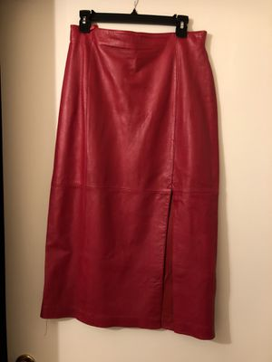 Very soft lined leather skirt slit up the front left side for Sale in Henderson, NV