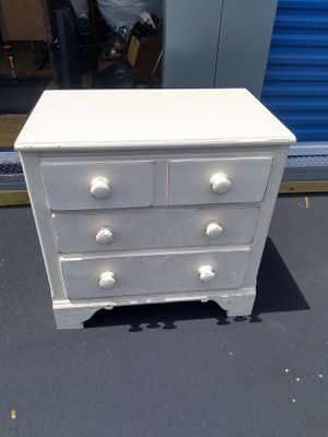 Dresser for Sale in Skokie, IL