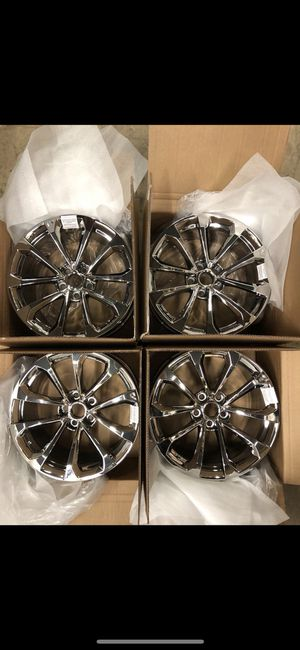 CaDillac CTS- V chrome wheels for Sale in Staten Island, NY