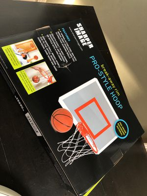 Basketball hoop for Sale in Aurora, IL