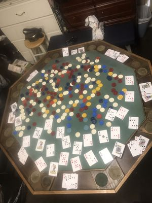 POKER FOLDING TABLE ( WITH 850 CHIPS ) for Sale in Los Angeles, CA