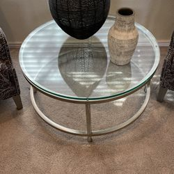 Round Glass Coffees Table for Sale in Phoenix,  AZ