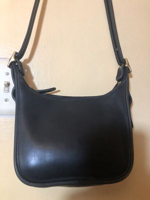 Small leather coach bag for Sale in Capitol Heights, MD