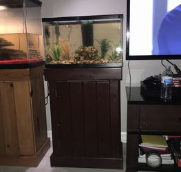 Fish Tank With Stand And LED Top for Sale in Mulberry,  FL