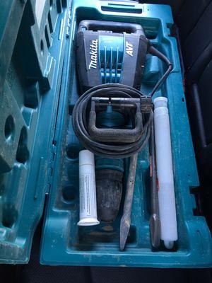 Makita 27lb demo hammer for Sale in Riverside, CA