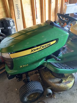 John deere lawn mower tractor x304 for Sale in Chicago, IL