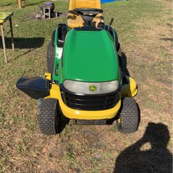 John Deere riding lawn tractor for Sale in Winter Haven,  FL
