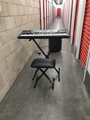 Yamaha keyboard w/ stand and chair for Sale in Las Vegas, NV