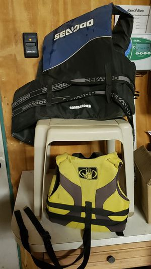Lifevests 1 child 1 adult for Sale in Wichita, KS