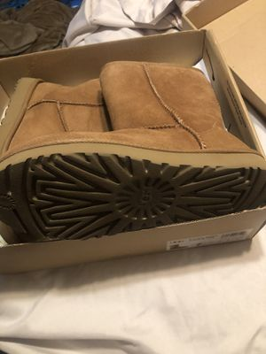 Ugg size 7 for Sale in West Sacramento, CA