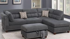 Gray plush sectional with ottoman for Sale in Fresno, CA