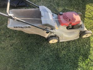 Honda Lawn Mower for Sale in Victorville, CA