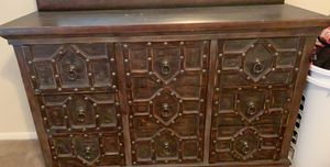 Dresser for Sale in Columbia, SC