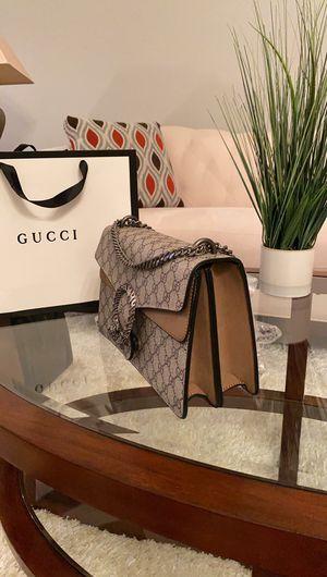 Crossbody bag for Sale in Orlando, FL