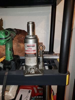 6 Ton Bottle Jack for Sale in Moreno Valley, CA