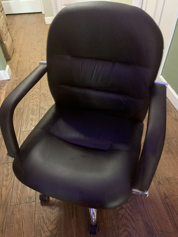 Chair 10 big and 10 small $10 for each