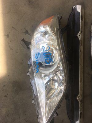 2015 Toyota Sienna headlight /parts for Sale in Santa Ana, CA