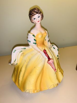 VINTAGE RUBENS R-# 583 LADY w/ Umbrella PLANTER for Sale in Quincy, MA