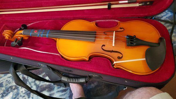 Like new Mendini Violin