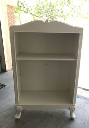 White Bookcase for Sale in Las Vegas, NV