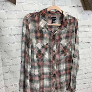 Wet Seal - Large - long sleeve plaid shirt for Sale in Cleburne, TX