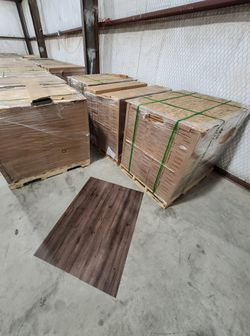 Luxury vinyl flooring!!! Only .88 cents a sq ft!! Liquidation close out! Z8 Y3 for Sale in Houston,  TX