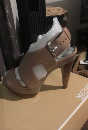 Michael Kors leather platform heels for Sale in El Centro, CA