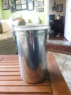 Food storage container for Sale in Los Angeles, CA