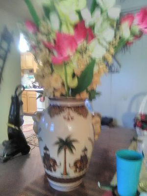Bueatiful elephant vase flower arrangement for Sale in Martinsburg, WV
