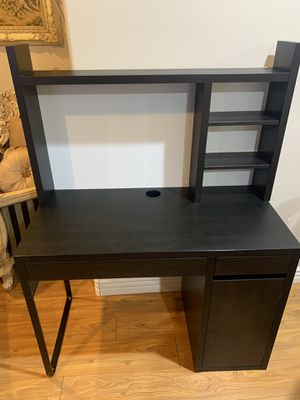 IKEA computer desk for Sale in Los Angeles, CA