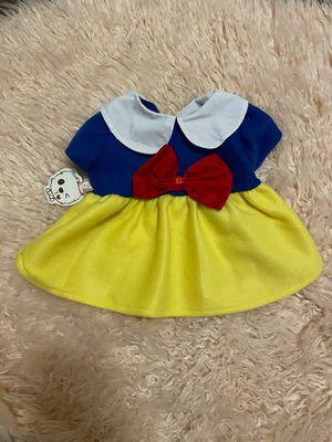 medium dog/pet snow white costume for Sale in San Antonio, TX
