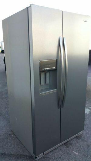 Whirlpool stainless steel fridge for Sale in Orlando, FL
