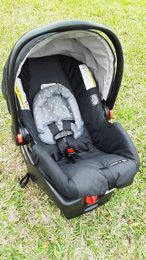 Snugride 30 Car Seat With Base for Sale in Jacksonville, FL