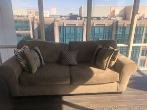 Couch w/ Pillows in Great Condition for Sale in Vienna, VA