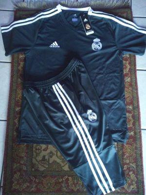 Set Jerseys y Short 3/4 Club Real Madrid Unisex Size L XL for Sale in Phoenix, AZ