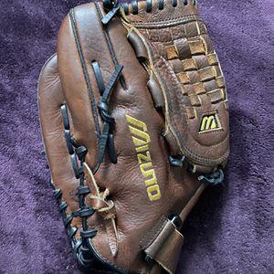 Left-Handed Throw Mizuno World Win Baseball Glove for Sale in Hacienda Heights, CA